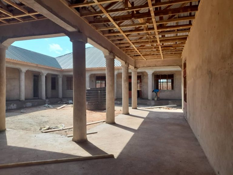 October 12, 2021: Courtyard for the 4 Lab Science Center.